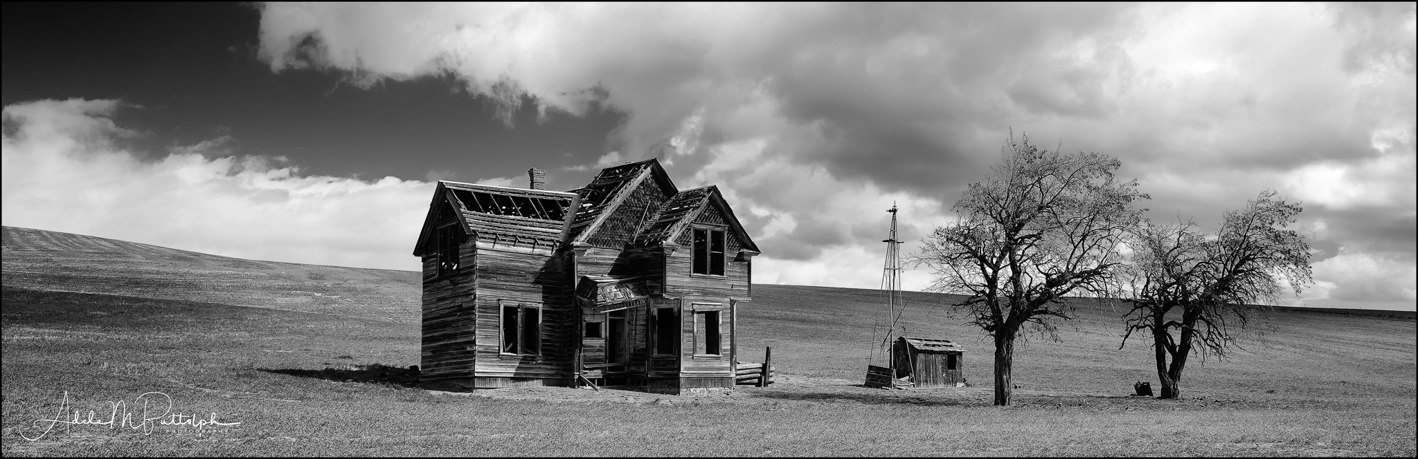 Panoramic black and white image of old farmhouse near Dufur, Oregon. © Adele M. Buttolph, © Adele Buttolph. adelembuttolphgallery, adelembuttolphphotography